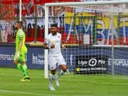 (1-0) Con gol de penal, Liga de Quito ganó y sigue firme en la punta