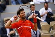 Djokovic avanza sin temblar a la segunda ronda de París