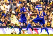 Duelo de ecuatorianos y victoria de Tigres
