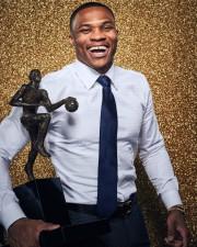 Westbrook cierra como MVP una temporada de ensueño; triunfan Rockets y Bucks (Resumen)