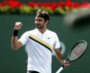 Roger Federer suda ante Coric pero se clasifica para la final