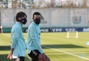 Argentina comienza a entrenarse mientras espera la llegada de Messi