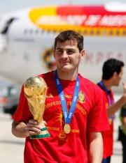 """Casillas: """"Hasta el año que viene no creo que se llenen los campos"""""""