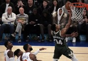 Bucks vencen sin Antetokounmpo; Celtics, Heat y Warriors siguen ganadores