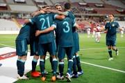 (0-2) Argentina se sostiene con Lautaro y González y mete a Perú en un problema