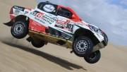 Al-Attiyah gana duelo en coches a Peterhansel en cuarta etapa del Dakar