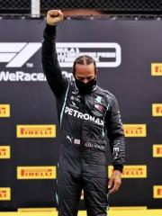 Hamilton, el mejor en seco, y Vettel, sobre mojado en los ensayos de Hungría