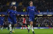 El Chelsea iguala al United en la segunda posición gracias a Marcos Alonso