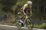 "Jonathan Caicedo, el campeón ecuatoriano se pone ""a rueda"" de Carapaz"