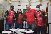 Deportivo Cuenca presenta a dos nuevos jugadores