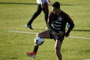 Alexis Sánchez entrena con balón y Rueda perfila defensa titular ante Japón