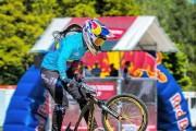 Retienen en Argentina a la bicampeona olímpica colombiana Mariana Pajón