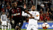Fluminense tropezó en la primera semifinal con Sornoza titular