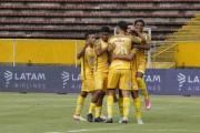 9 de Octubre y Delfín sorprenden y avanzan en Supercopa Ecuador