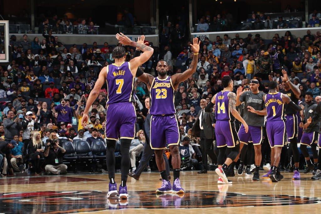 LeBron James y Antetokounmpo fueron los grandes protagonistas de la jornada de la NBA