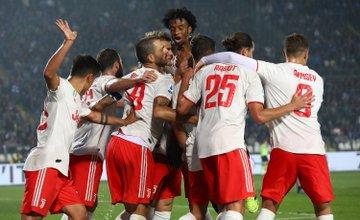 Un gol en propia puerta del defensa venezolano Jhon Chancellor (m.40) y un tanto del bosnio Miralem Pjanic (m.63) le dieron al Juventus el cuarto triunfo del año