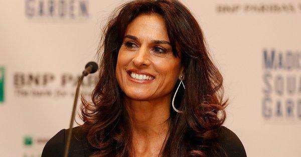 El Premio Philippe Chatrier fue introducido en 1996 y se concede a personas y organizaciones que han realizado contribuciones significativas al deporte del tenis