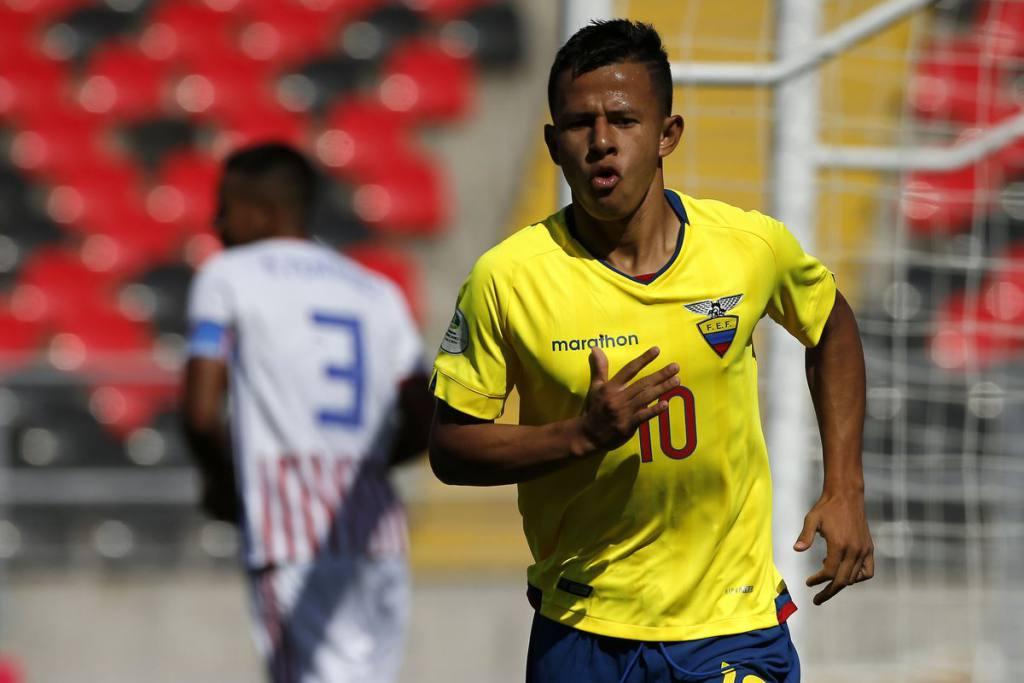 Jordan Rezabala, destacado en la 'Mini Tri', celebra el desempeño del equipo y el título de campeones del Sudamericano Sub20