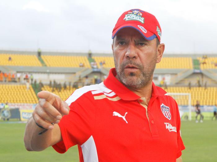 """El mayor objetivo del entrenador colombiano será """"sacar al equipo de la zona de descenso"""""""
