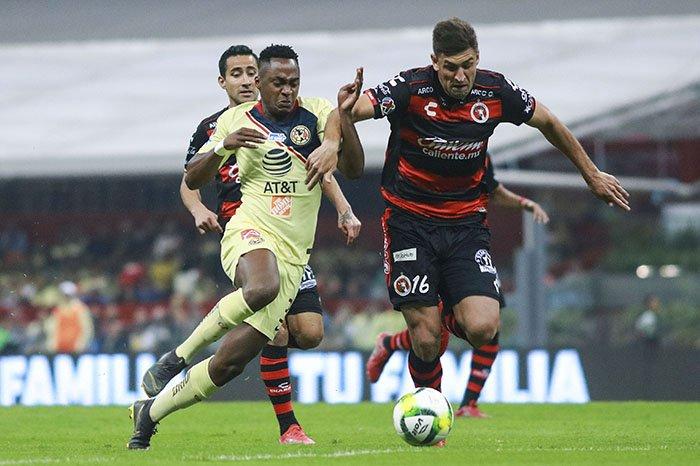 Ibarra se incorporó al América para el torneo Apertura 2016, llegó procedente del Vitesse de los Países Bajos y desde entonces ha sido figura clave en el ataque del equipo