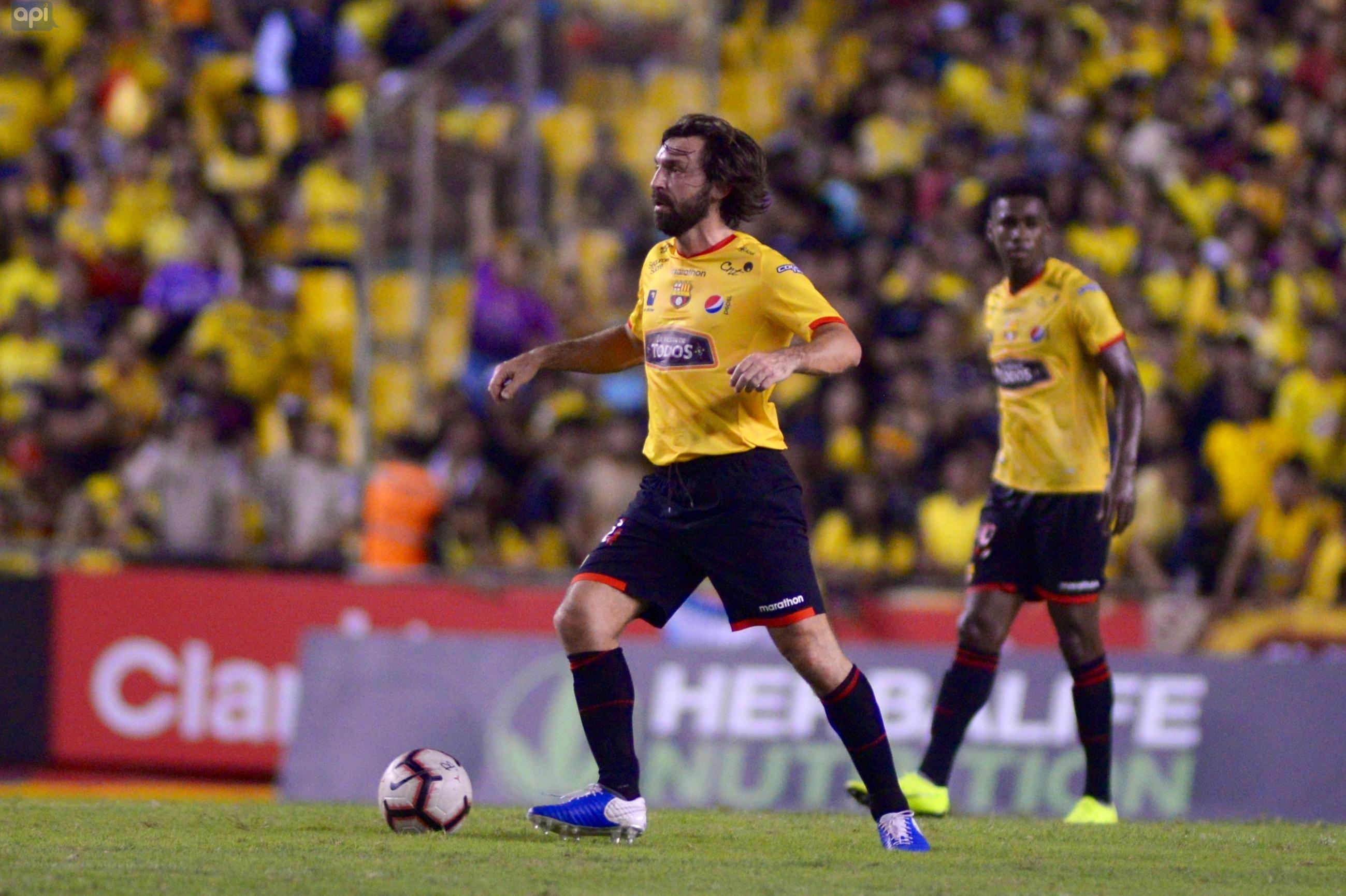 Con Andrea Pirlo en cancha, Barcelona remontó y venció a Alianza Lima en su presentación
