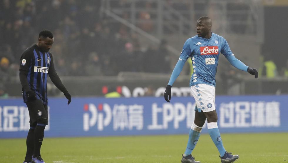 El juez además ha sancionado con dos jornadas de descalificación al propio Koulibaly y a Lorenzo Insigne por sus actitudes durante el partido Inter-Nápoles