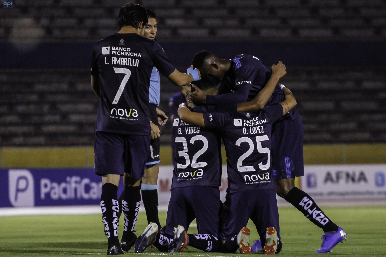 Miguel Almeida, presidente de Universidad Católica, aseguró que no habrá salidas y tampoco se contratará jugadores para el próximo semestre