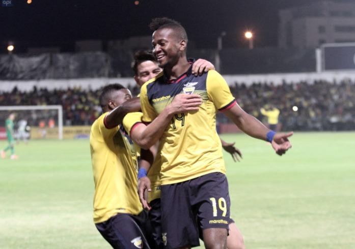 La Tricolor goleó esta noche en Cuenca ante su similar boliviano con goles de Estrada, Sornoza y Plata, además de la destacada actuación del portero Padilla