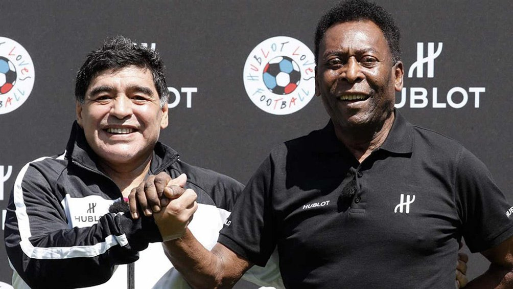 """""""Diego, nunca me gusta escuchar que un miembro del club de camisas 10 no está bien. Espero que te sientas mejor pronto"""", dijo 'o Rei' en un mensaje publicado en Twitter"""