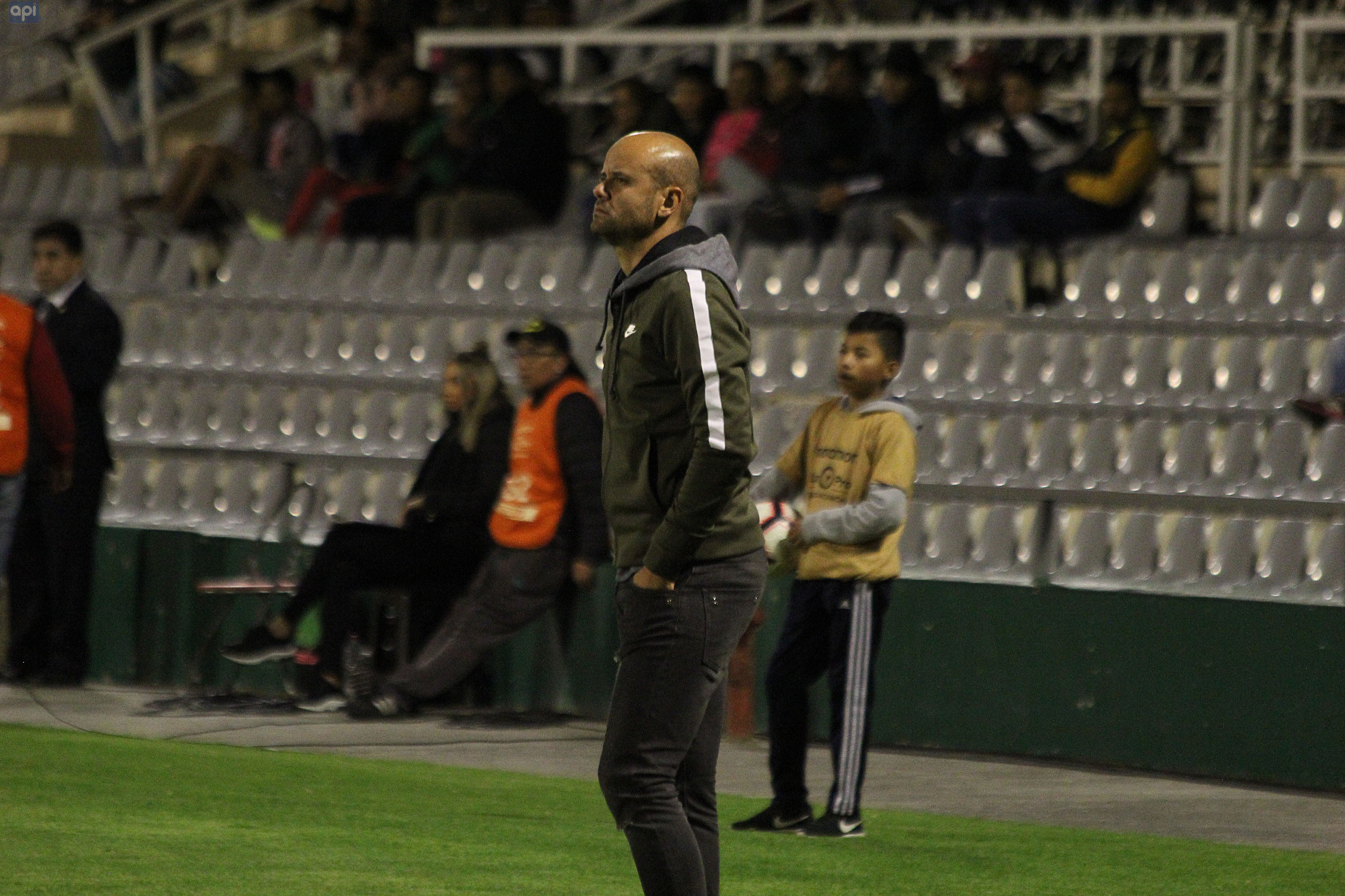 El estratega de Independiente analizó el triunfo ante Fuerza Amarilla y resaltó el trabajo individual de los 'negriazules'