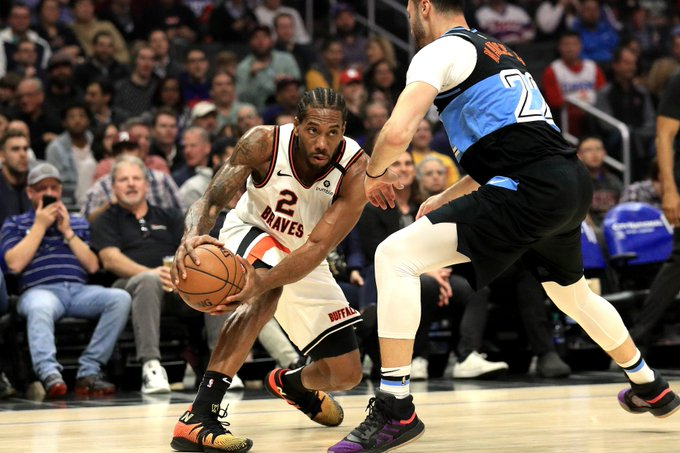 Leonard tuvo 43 puntos, su mejor marca de la temporada, en sólo tres cuartos de partido, y los Clippers vencieron de locales por paliza de 128-103 a los Cavaliers de Cleveland