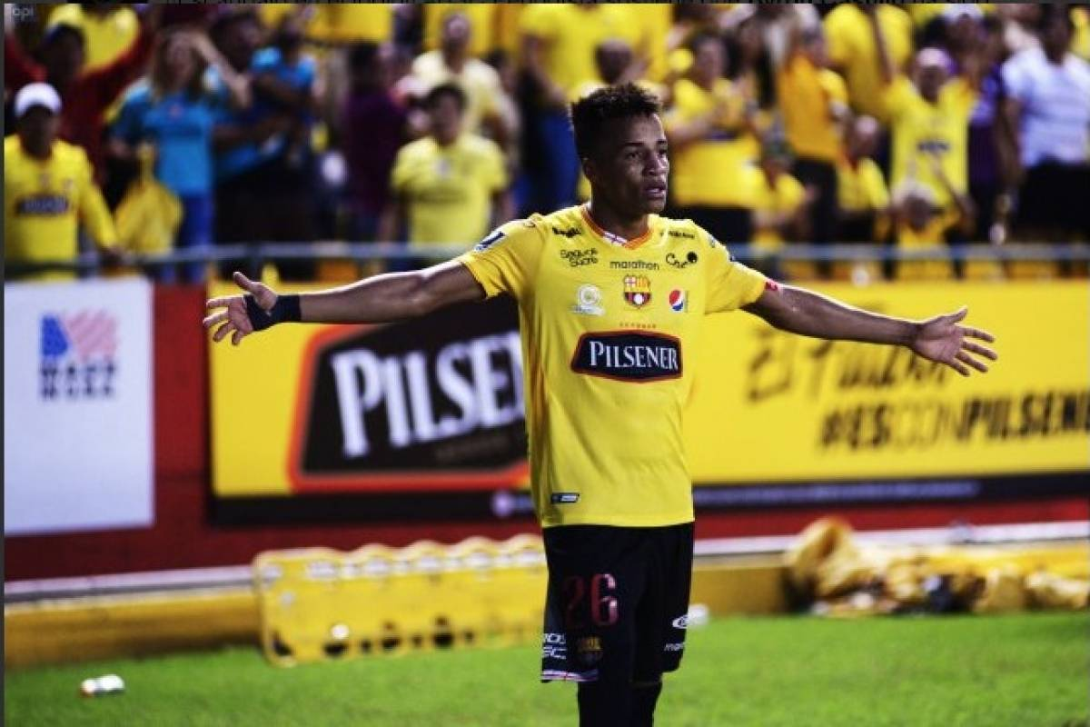 Byron Castillo valoró el apoyo de los hinchas durante los partidos y asegura que es lo que más extraña del campeonato