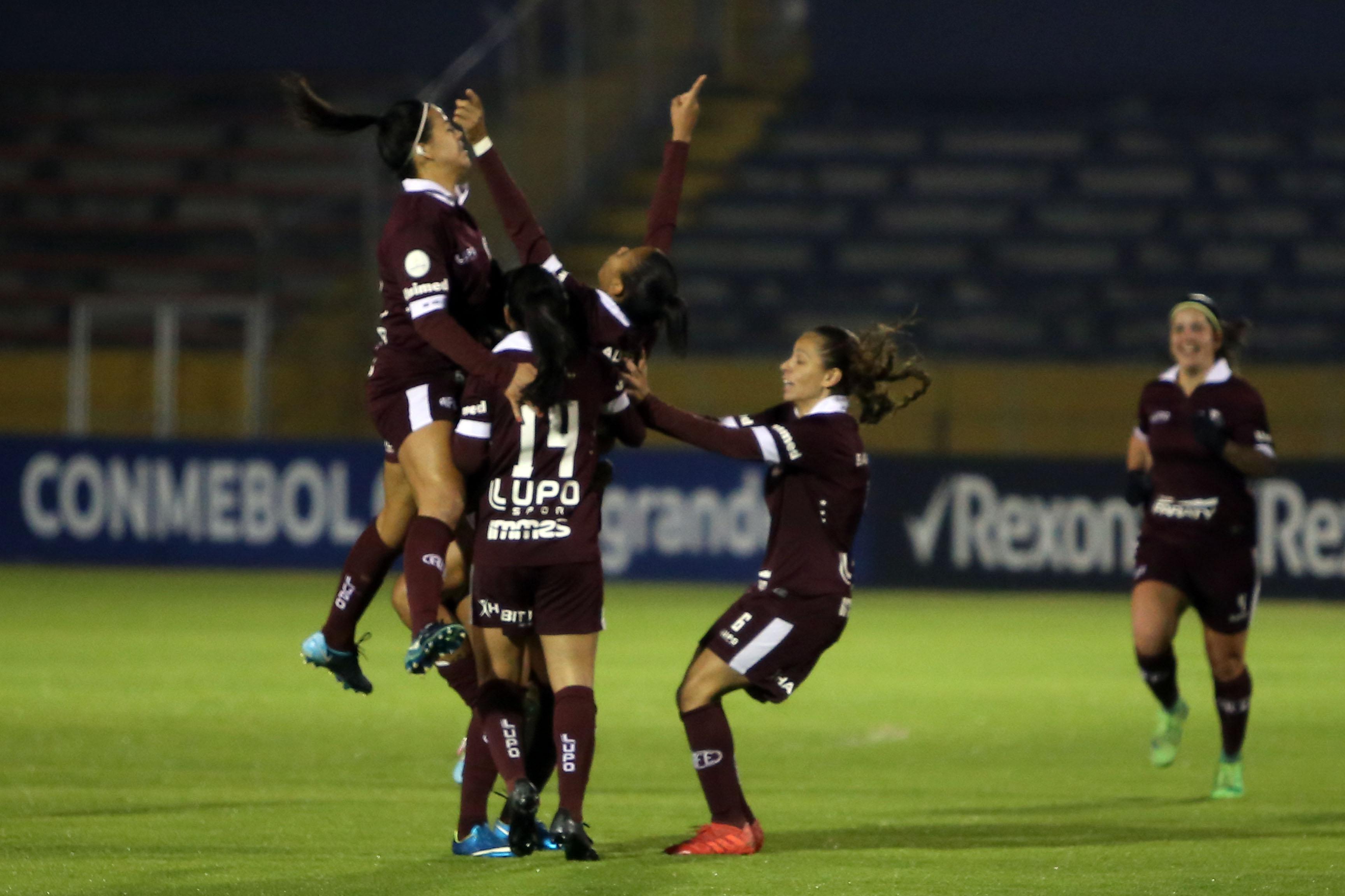Nathane, máxima goleadora del torneo, y Aline Milene De Lima marcaron los goles del Ferroviaria. Descontó la capitana paraguaya Limpia Fretes
