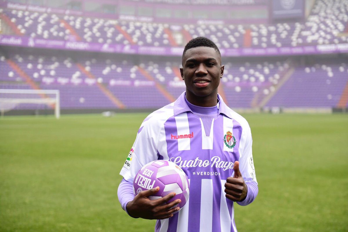 El exjugador de Independiente del Valle fue presentado oficialmente en el Real Valladolid