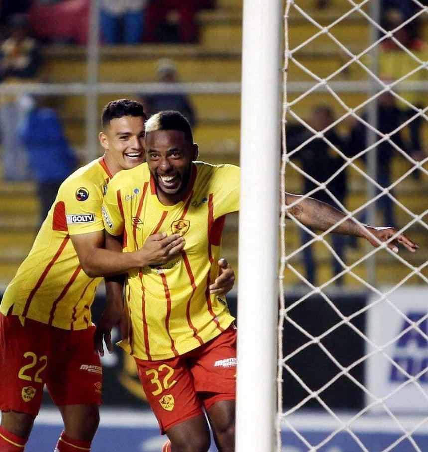 El defensor ex Cuenca y Aucas se incorporaría al 'Ídolo' por una temporada