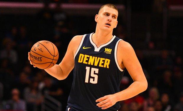 El serbio, con un doble-doble de 32 puntos y 16 rebotes, se encargó de liderar a los Nuggets a la victoria por 126-118 ante los Mavericks de Dallas