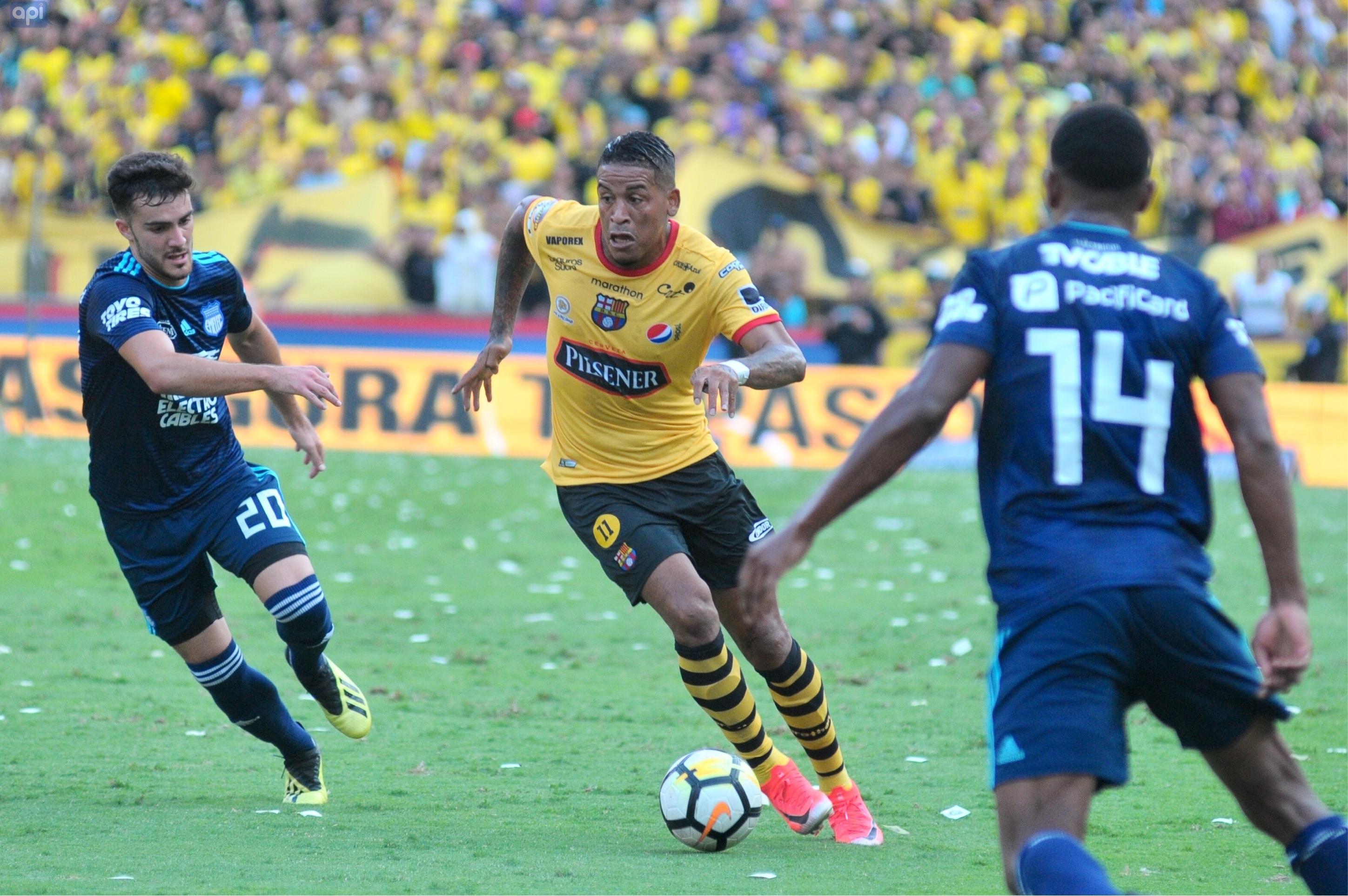 Michael Arroyo admitió sentirse tranquilo, sin embargo, no puede evitar pensar que su carrera como futbolista está en peligro