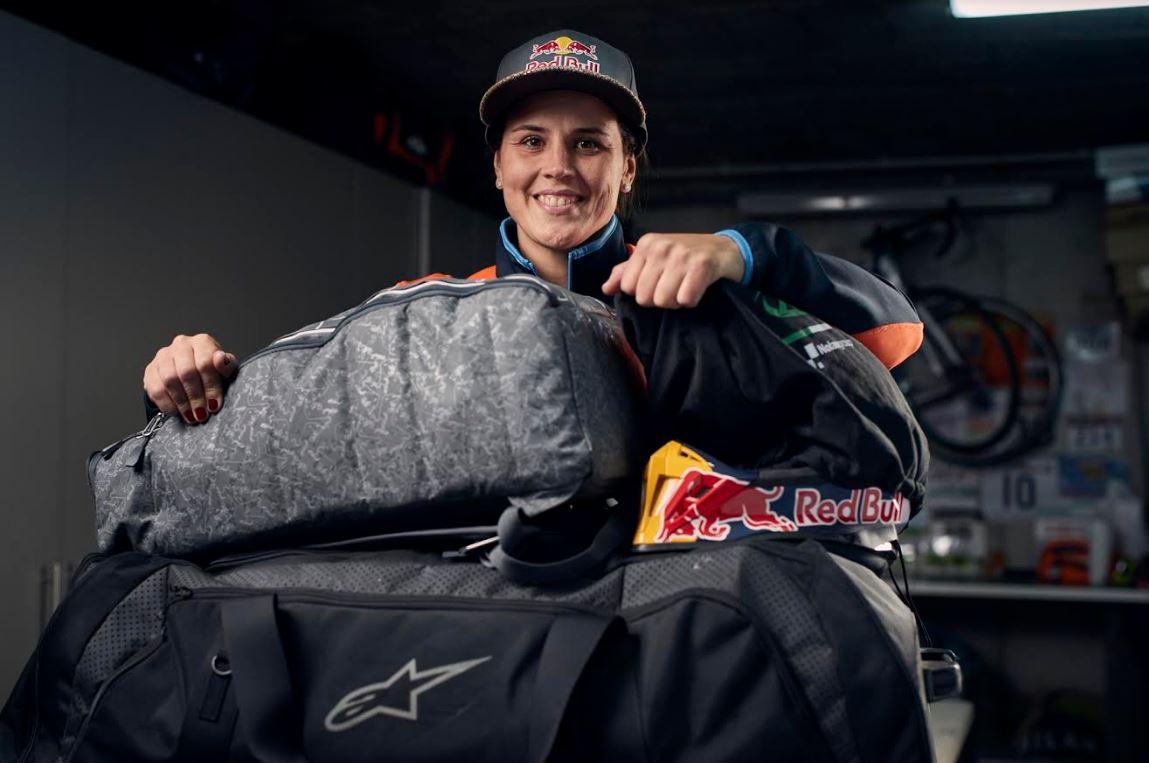 La española, novena en la clasificación absoluta en 2015, competirá por novena vez en el Dakar