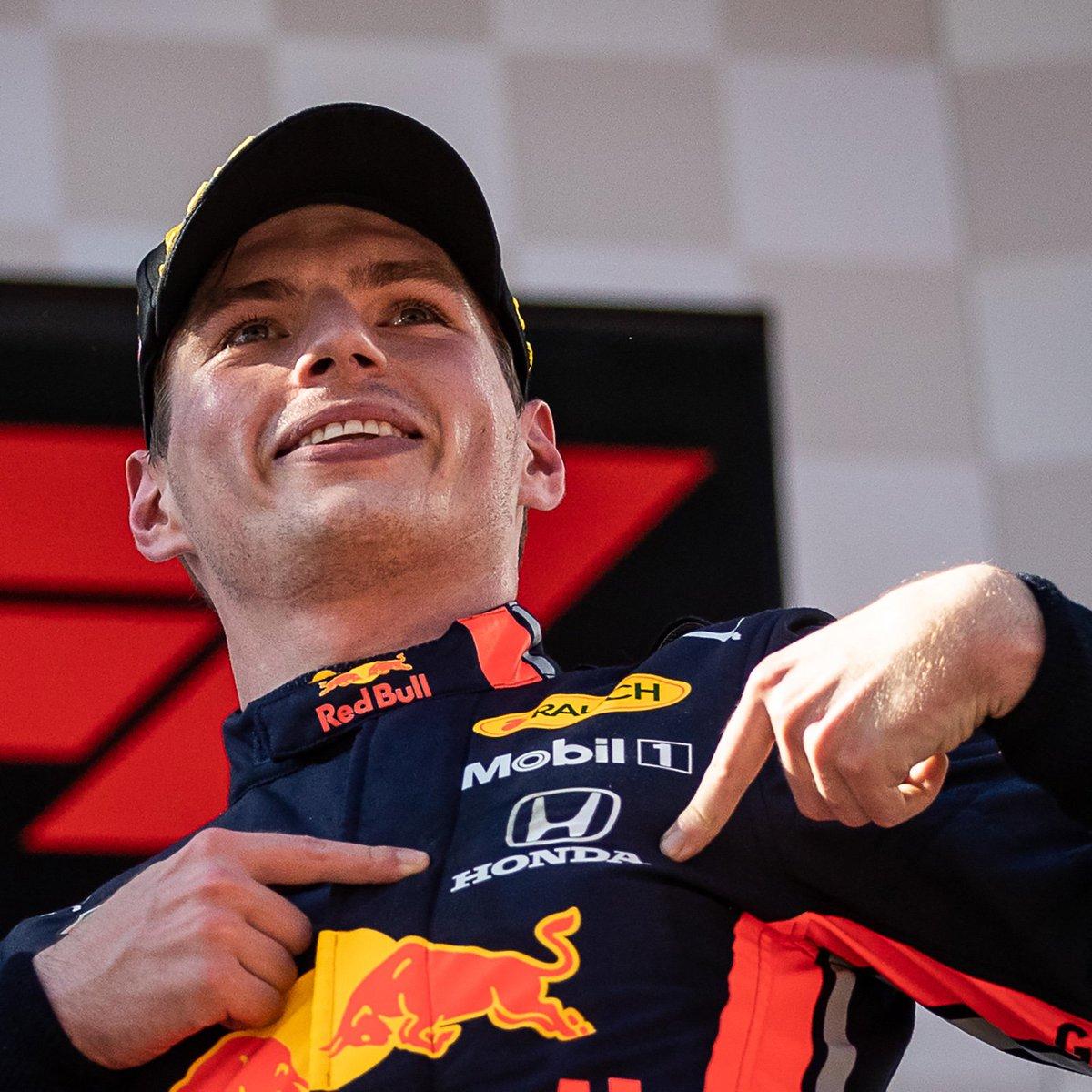 Es la primera carrera que no gana Mercedes en un año en el que las 'flechas de plata' cuentan seis 'dobletes' y seis triunfos de Hamilton