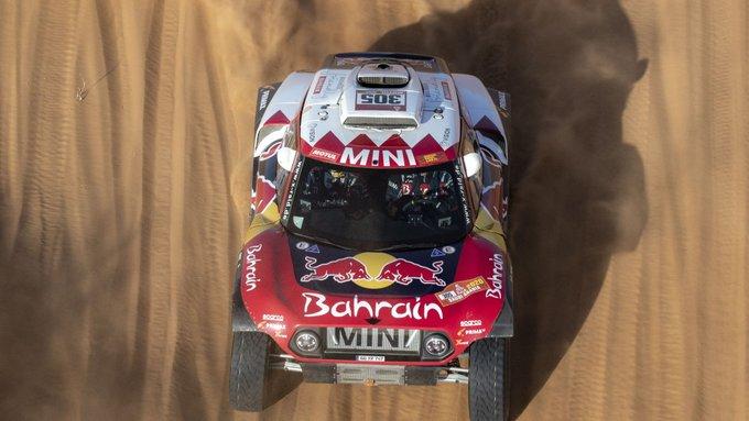 Sainz acabó cuarto, a 6 minutos y 31 segundos de Peterhansel, por lo que el madrileño continúa primero en la clasificación general del rally