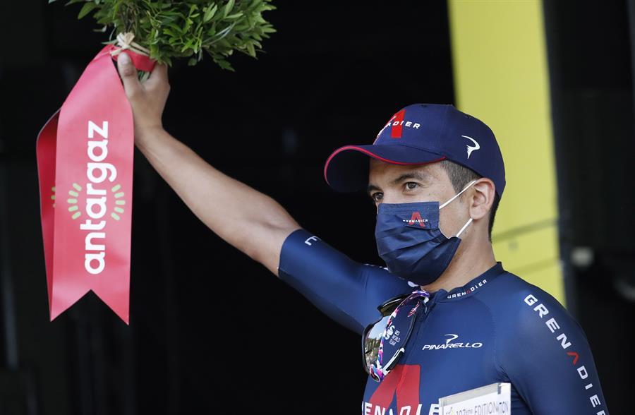 El ecuatoriano recibió el premio al más combativo y dio el primer podio a Ineos
