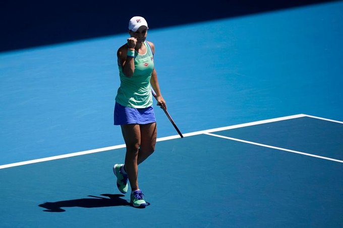 La tenista de Ipswich (Australia) se vengó de su amiga Kvitova que le sentenció en la edición pasada en la misma ronda por un rotundo 6-1 y 6-4