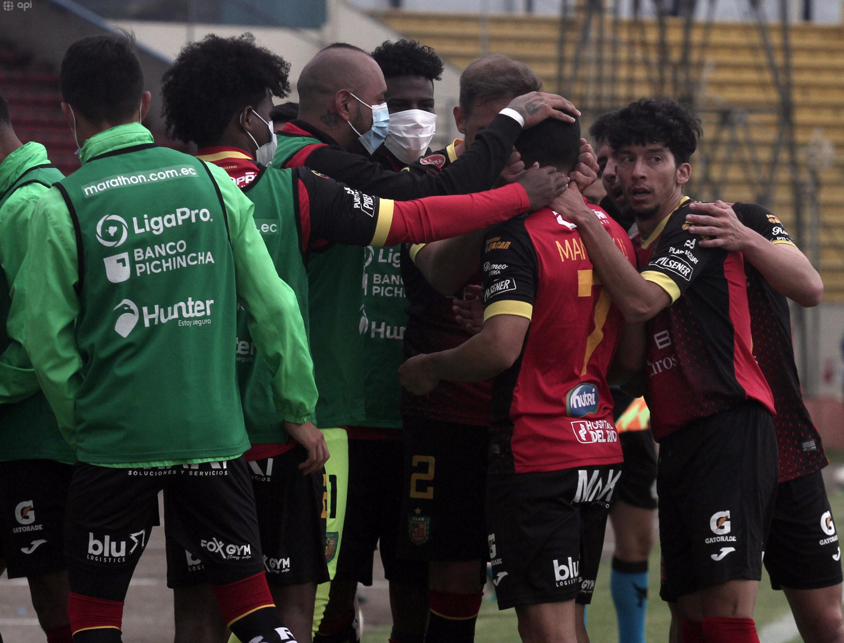 Pedro Larrea analizó la situación crítica de Deportivo Cuenca y el proceso eleccionario que se acerca en el club