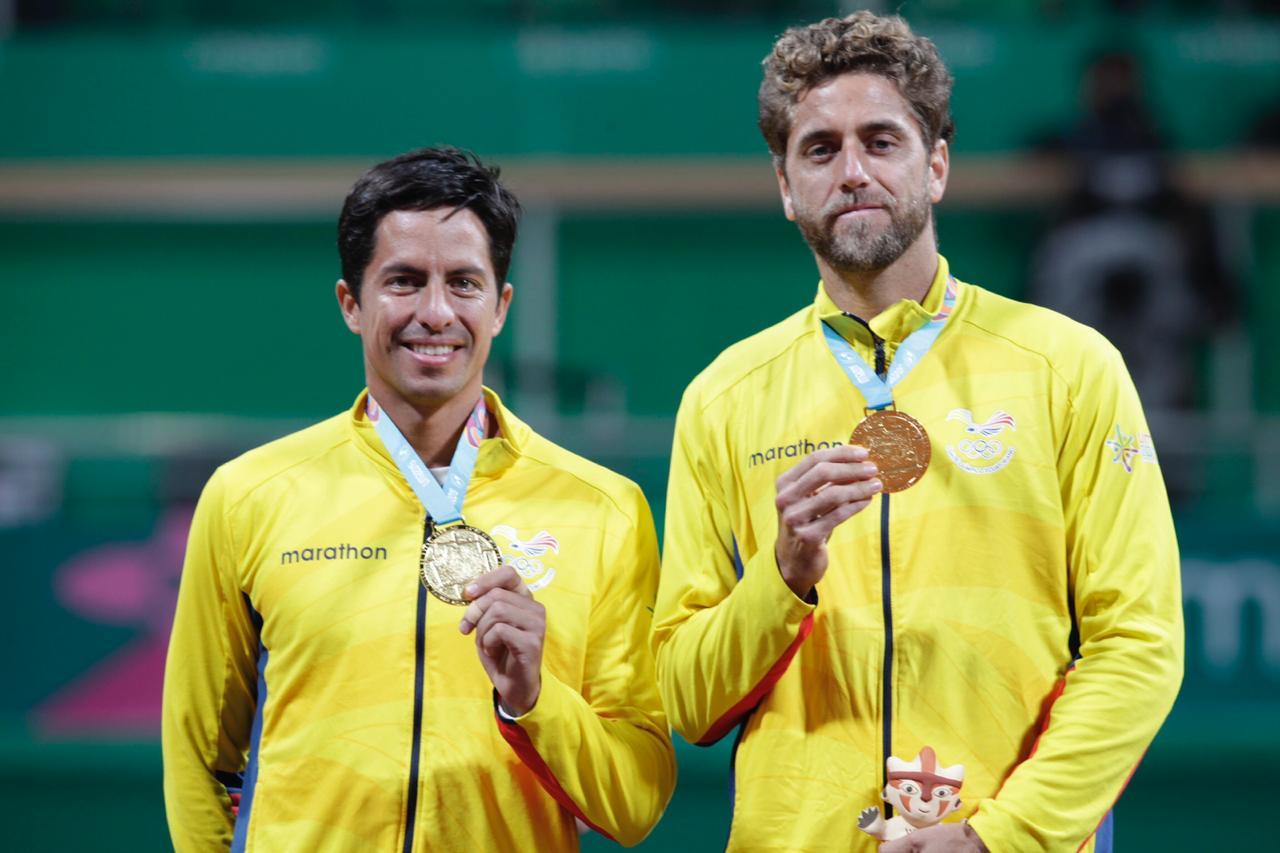Los tenistas ecuatorianos superaron a la pareja argentina en un intenso duelo