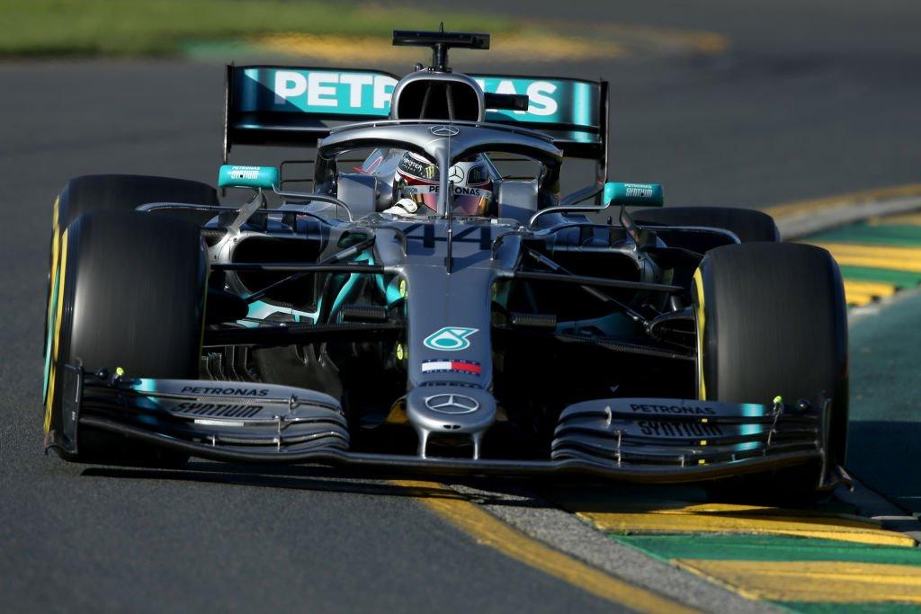 El pentacampeón británico regresó al campeonato de la misma forma que se marchó del Gran Premio de Abu Dabi 2018 que cerró la temporada pasada: en el primer puesto