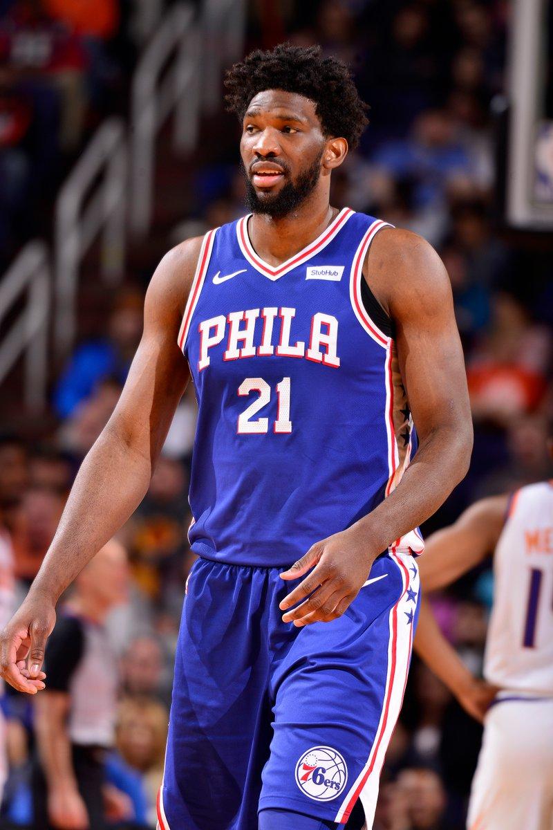 El pívot Joel Embiid aportó también 18 rebotes para los Sixers de Filadelfia, que superaron a domicilio 127-132 a los Suns de Phoenix