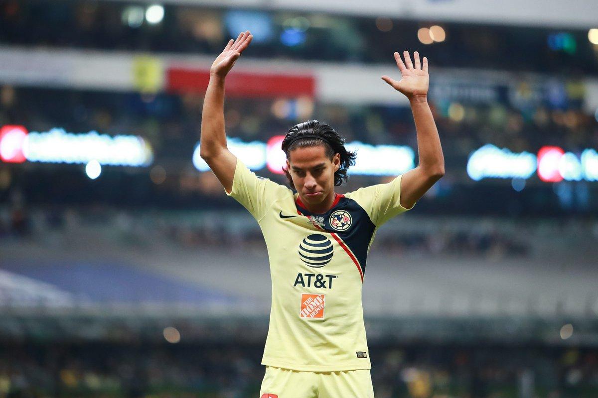 El joven mexicano llega a la liga española con un contrato hasta 2024