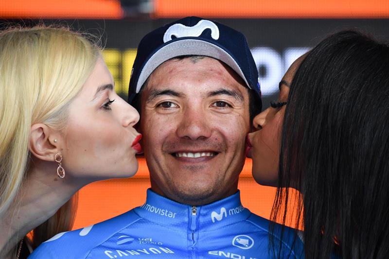 El ciclista ecuatoriano se llevó la cuarta etapa del Giro y dedicó su triunfo al país