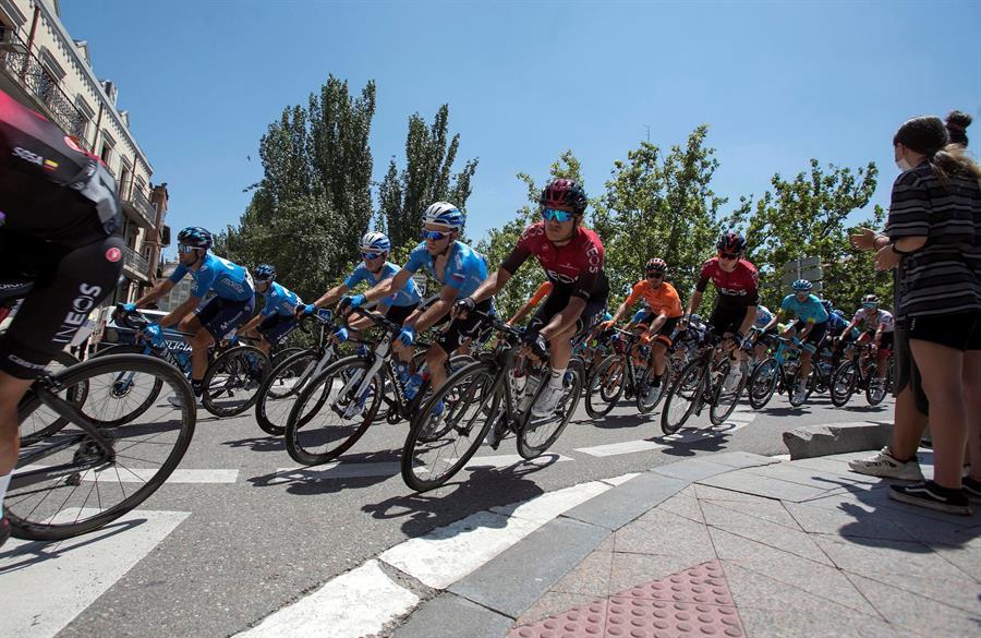 El ecuatoriano Richard Carapaz se mantiene séptimo en la general de la Vuelta a Burgos