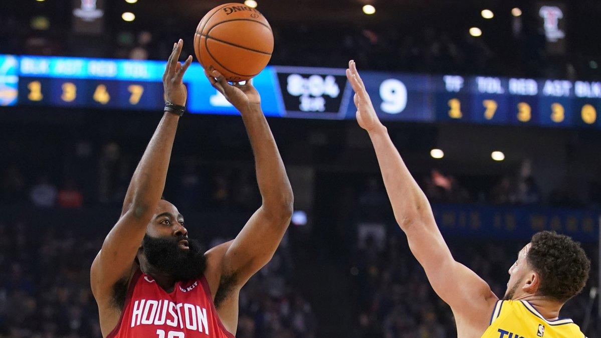 El actual MVP de la liga, que aportó 44 puntos, 15 asistencias y 10 rebotes, anotó dos triples decisivos que forzaron la prórroga y aseguraron la victoria de los Rockets